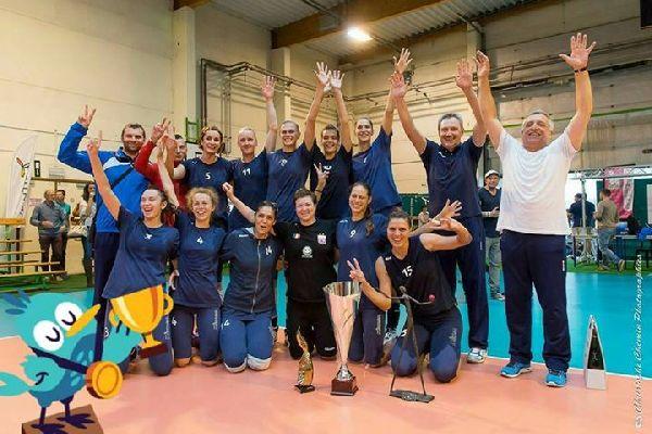 Stiinta Bacau si trofeul cucerit la turneul de la Frasnes-Lez-Anvaing