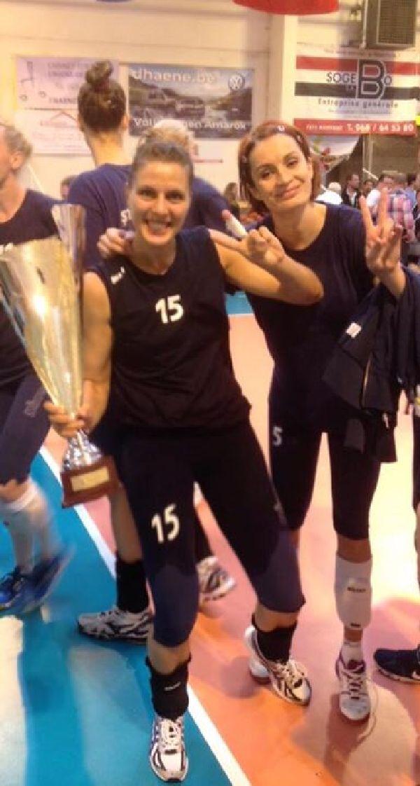 Irina Radu cu trofeul cucerit in Belgia