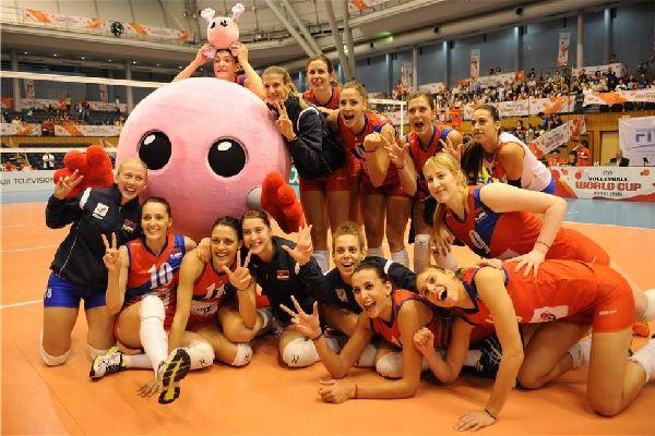 Nationala de volei a Serbiei a plecat din Japonia nu doar cu biletele pentru JO, dar și cu amintiri foarte placute