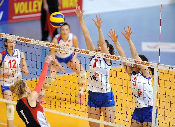 Adelina Ungureanu în atac