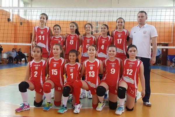Echipa de minivolei a clubului Dinamo