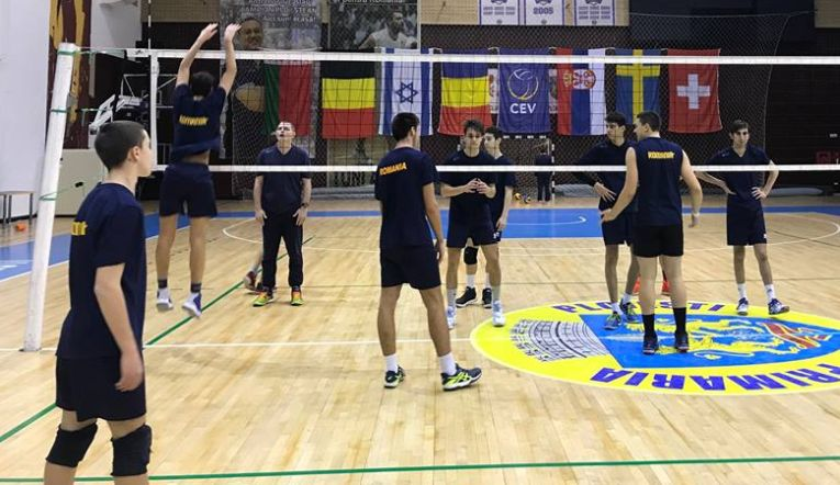 romania under 18 volei antrenament