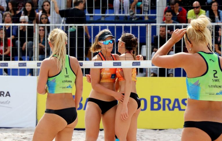 Adriana Matei si Beata Vaida, dupa calificarea in sferturile de finala ale turneului de volei pe plaja de la Miguel Pereira 2018