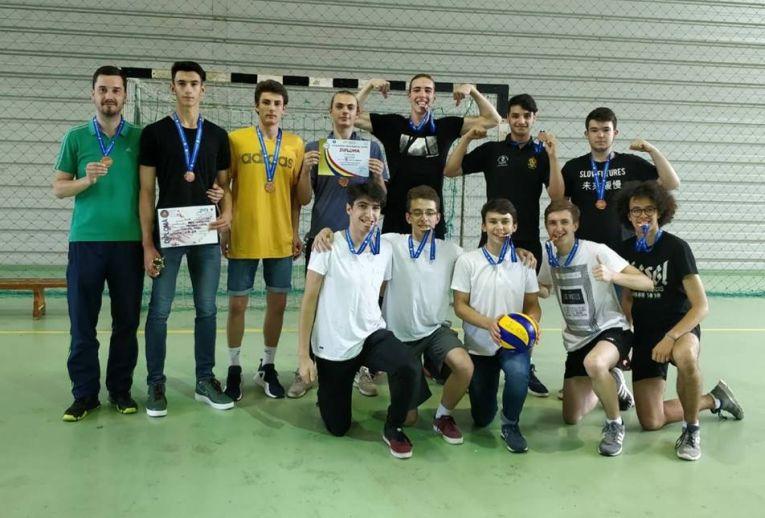 lps suceava si medaliile de bronz cucerite in campionatul de volei al juniorilor