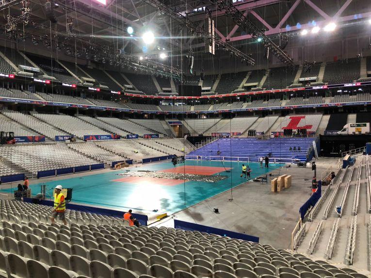 Pregatira arenei de volei din cadrul stadionului Pierre-Mauroy din Lille, unde va avea loc Final 6 VNL 2018