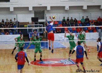 Olandezul Parkinson, de la Steaua, in atac in meciul cu Arcada Galati