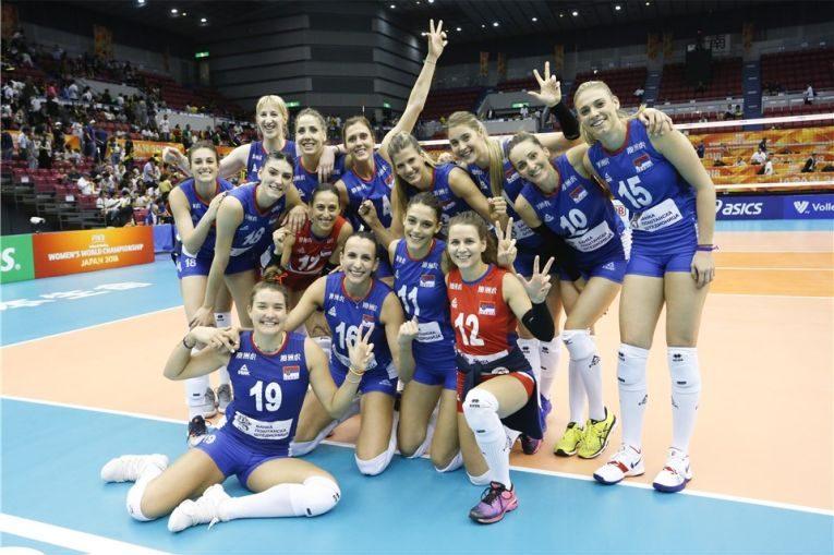 Echipa Serbiei si bucuria de dupa victoria cu Brazilia
