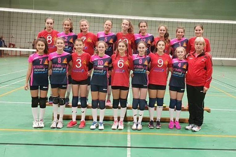 Echipele de volei sperante ale clubului Juvenil Brasov