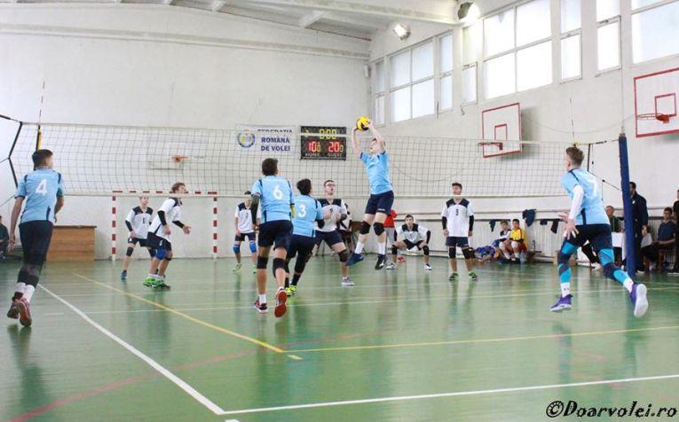 Tudor Constantinescu setter in action CTF Mihai I volleyball romania