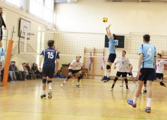 Tudor Constantinescu setter volleyball U18 team CTF Mihai I Bucharest in action