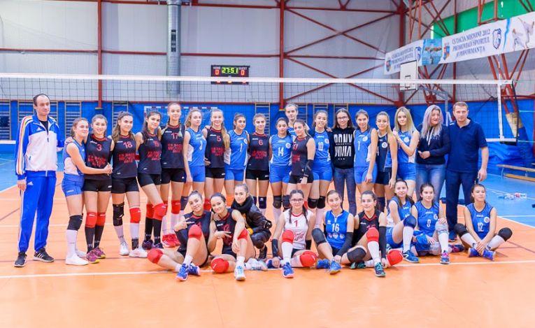 Jucatoarele de la Dacia Mioveni si LPS Viitorul Pitesti, la finalul meciului direct