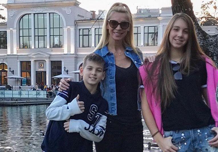 Cristina Pîrv, alături de copiii săi, Patrick si Nicoll, la Cluj