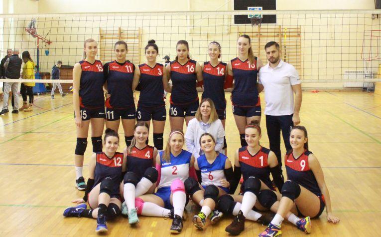 Echipa de volei junioare a clubului CTF Mihai I