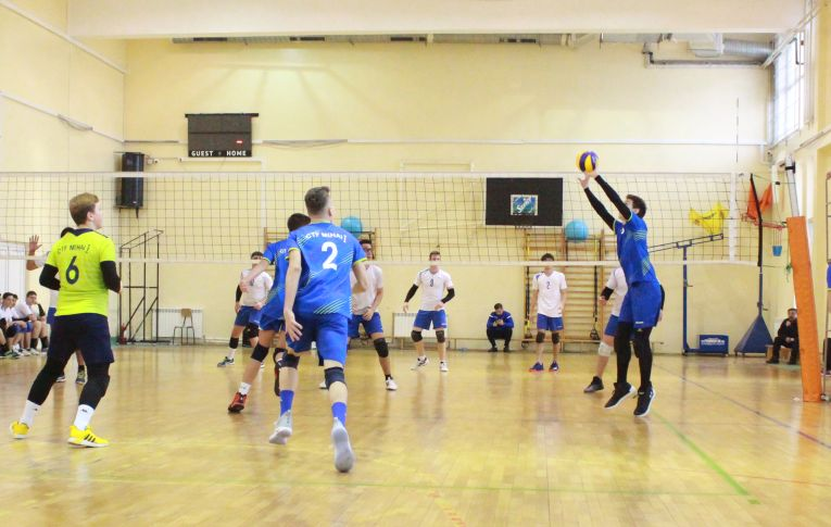 tudor constantinescu volleyball setter born in 2002
