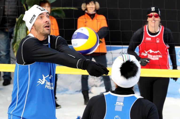 Giba a mai jucat volei pe zăpadă la Jocurile Olimpice de iarnă din 2018, din Coreea de Sud