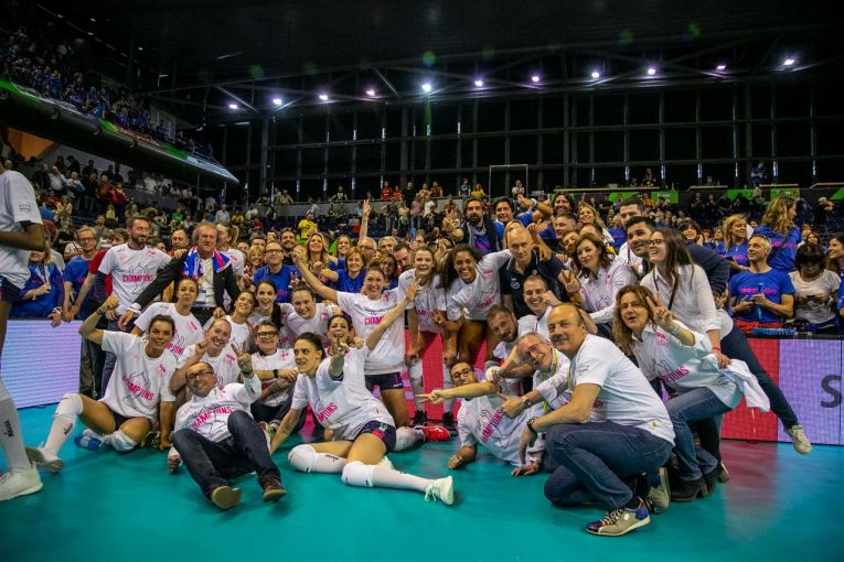 Igor Gorgonzola Novara si bucuria victoriei din finala Ligii Campionilor la volei feminin