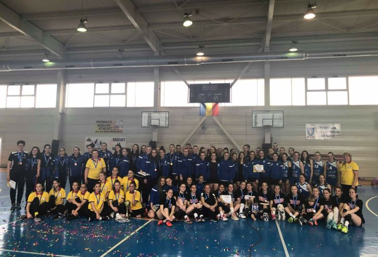 Poza de grup a echipelor participante la turneul final de cadete, editia 2018/ 2019