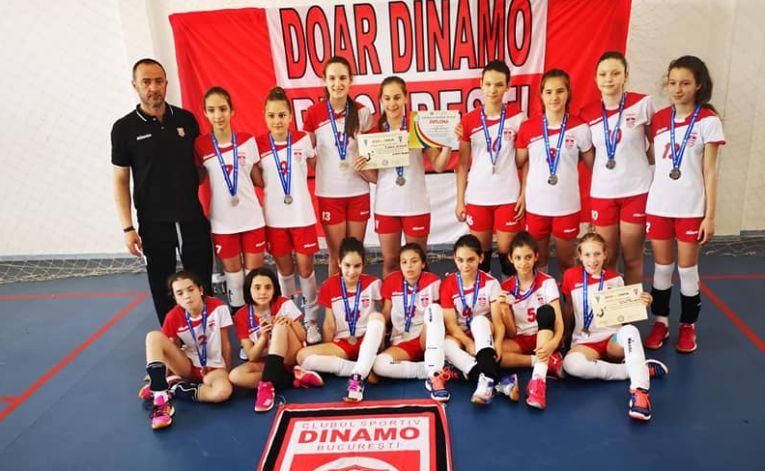 Dinamo vicecampioana la minivolei 2018/ 2019