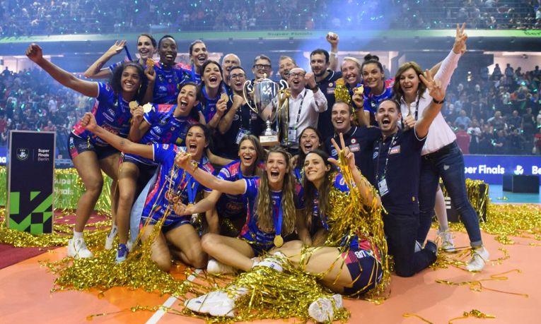 Igor Gorgonzola Novara, cu medaliile castigatoarei editiei 2019 a Ligii Campionilor la volei feminin