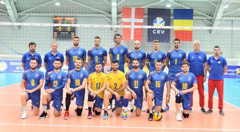 Echipa masculina de volei a Romaniei inaintea meciului cu Danemarca din Silver League