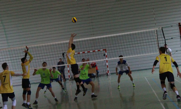 Tudor Constantinescu, romanian setter of CTF Mihai I volleyball youth team