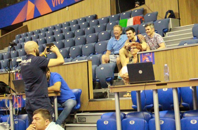 Simone Anzani, alături de părinți, la Varna