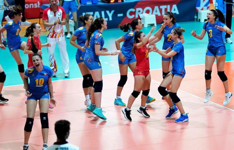 Bucuria jucătoarelor românce după victoria cu Olanda, de la Europenele Under 16