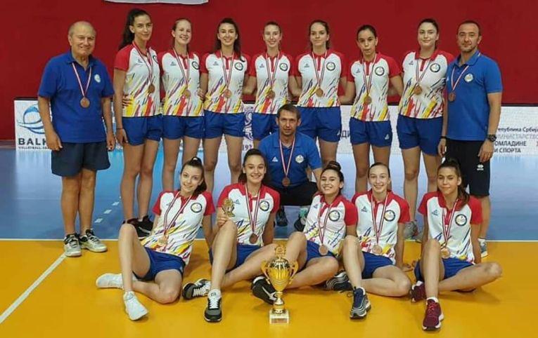 Nationala feminina Under 16 a Romaniei, cu medaliile de bronz