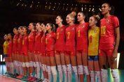 Nationala feminină a României, la intonarea imnului înaintea meciului cu Ungaria, de la Campionatul European