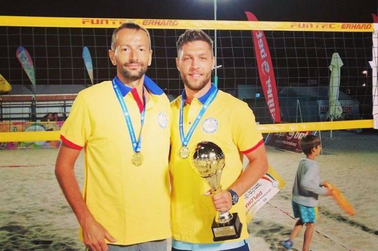 Marius Iftime și Cosmin Ghimeș sunt campioni nationali la volei pe plajă