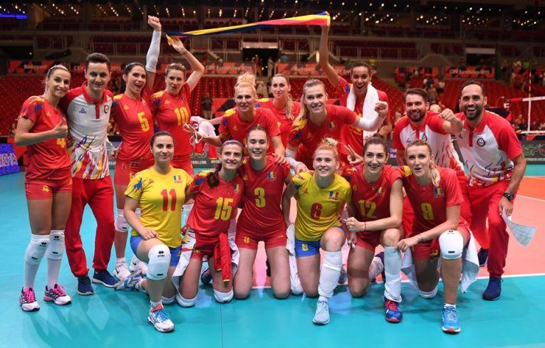 Bucuria jucătoarelor naționalei României după victoria obținută în fața Ungariei, la Budapesta