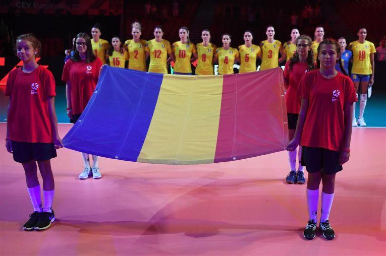 Echipa Romaniei, la intonarea imnurilor la Campionatul European 2019