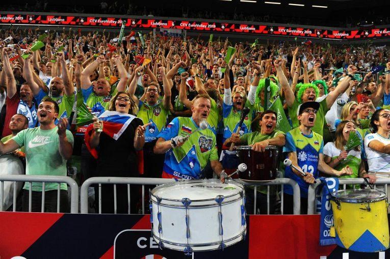 Fanii sloveni au trait lamaximum calificarea echipei lor in semifinalele Campionatului European