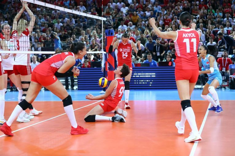 Bucuria nationalei Turciei după calificarea în finala Campionatului European 2019