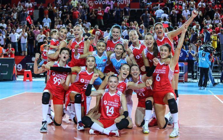 Turcia s-a calificat in sferturile de finală după un meci dramatic cu Croatia