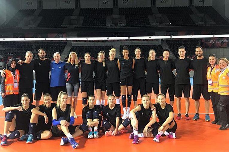 La Ankara, unde a fost Event Manager din partea CEV, Cristina Pîrv a asistat și la antrenamentul oficial al naționalei României, care a disputat meciul din optimi chiar în Turcia