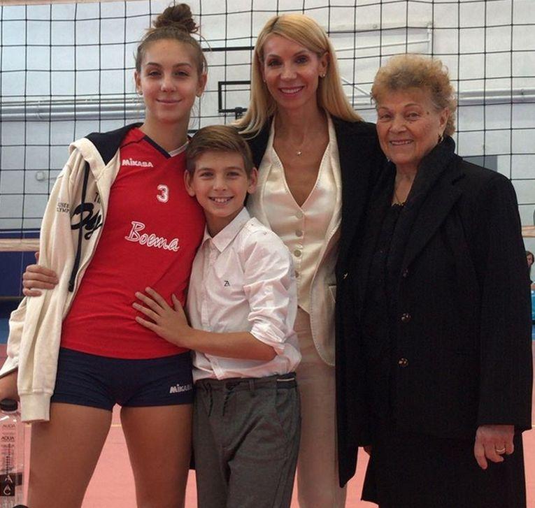 Intreaga familie Pîrv a asistat la meciul de debut al lui Nicoll