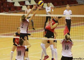 Georgiana Faleș, în atac împotriva Rapidului, în etapa a doua a campionatului 2019/ 2020