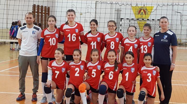Echipa de minivolei CSM București la primul turneu al campionatului 2019/ 2020