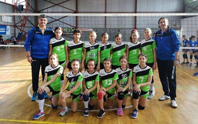 Echipa de minivolei CSS Bacău la primul turneu al campionatului 2019/ 2020