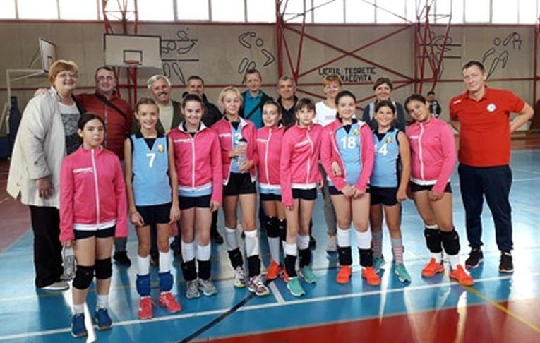 Echipele de minivolei Power Volleyball Baia Mare la primul turneu al campionatului 2019/ 2020