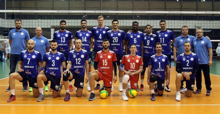 Fotografie de grup a jucătorilor formației Arcada Galați, campioana României în sezonul 2019/ 2020