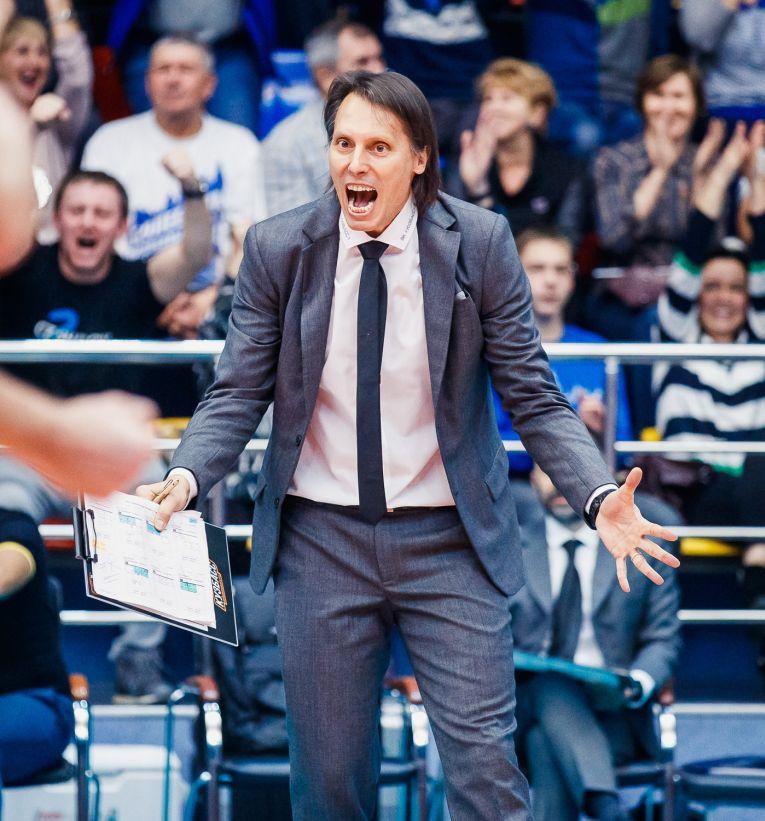 Gianni Crețu, bucuros după un punct câștigat de echipa sa, Kuzbass Kemerovo
