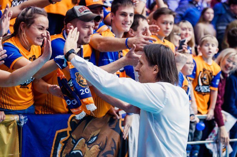 Gianni Crețu este iubit de fanii noii sale formații, Kuzbass kemerovo