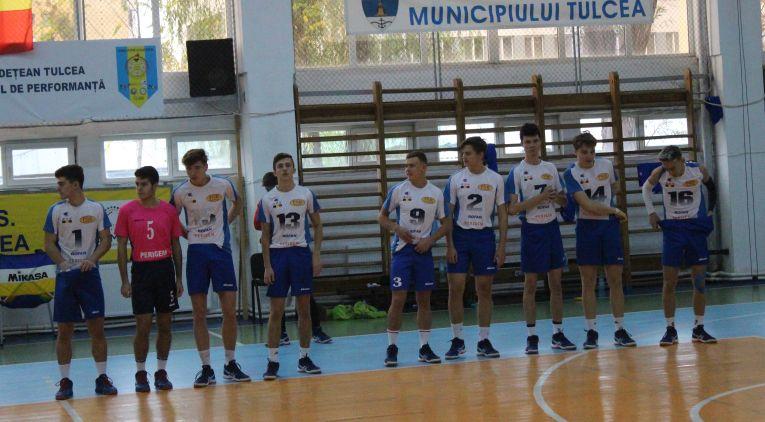 Echipa de juniori CSS Tulcea, înaintea meciului cu CTF Mihai I, din etapa a patra a campionatului 2019/ 2020