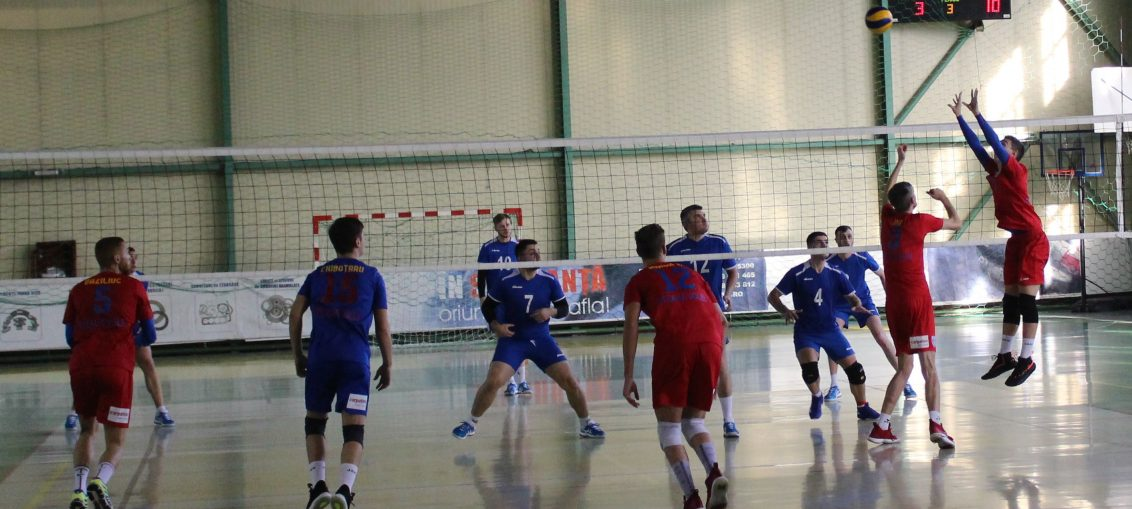 Tudor Constantinescu, Steaua Bucharest volleyball setter, in action