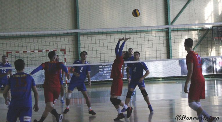 Tudor Constantinescu setter of romanian volleyball team Steaua Bucharest in action
