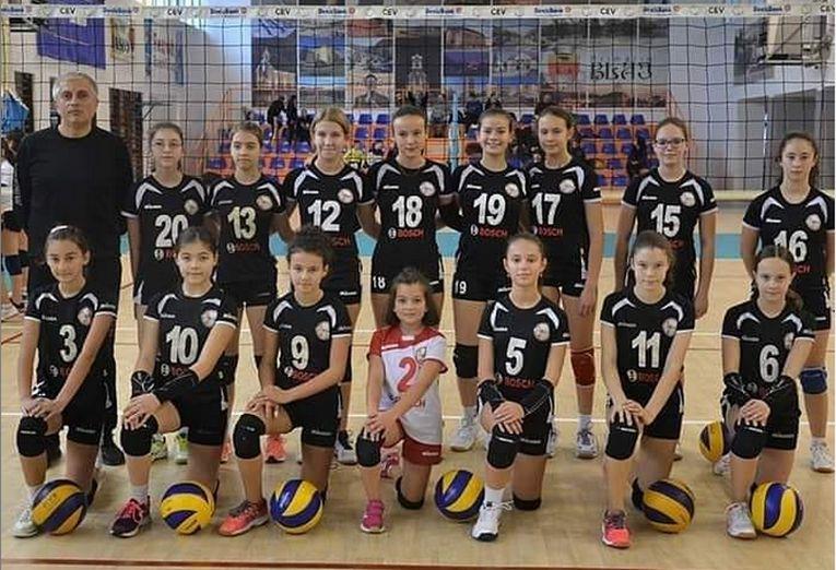 Echipa feminină de sperante Atomic Blaj, in cel de-al doilea turneu al campionatului 2019/ 2020