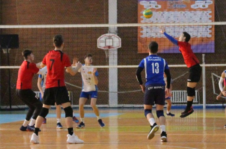 Romanian volleyball setter Tudor Constantinescu in action for romanian juniors champions, CTF Mihai I