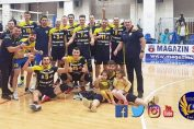 Jucătorii formației masculine de volei Volei Municipal Zalău, bucuroși după calificarea în Final Four-ul Cupei României la volei masculin, ediția 2019/ 2020